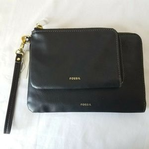 Fossil Carrie Double Wristlet Black Zipper Closure